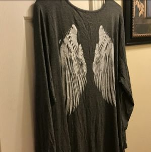 Torrid Angel Wings Super Soft V-Neck Size 3